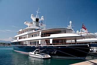 Antibes-Yacht-Fotolia_37176
