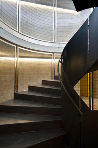 Escalier_metal_Fotolia_4398