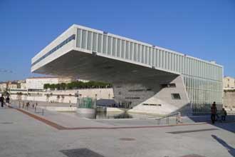 Le blanc dans l 39 architecture en provence provence 7 - Maison de la mediterranee ...