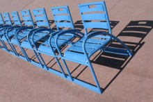 Nice.-Chaises-bleues
