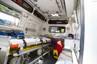 Interieur-ambulance-Fotolia