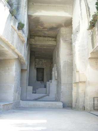 Les-Baux-Cathedrale-d'image