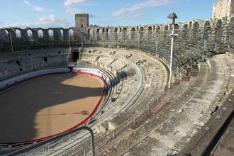 Amphitheatre-Arles_Int_Verl