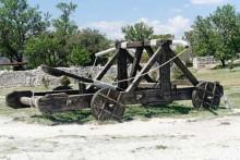 Catapulte-Fotolia_612997