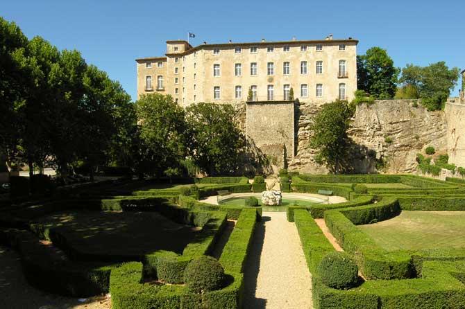 Chateau-Entrecasteaux-1-Ver