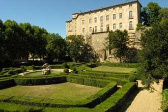 Chateau-Entrecasteaux-3-Ver
