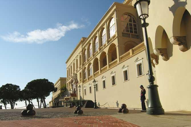 Palais-Monaco-Facade-Verlin