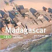 Madagascar-en-plein-vol