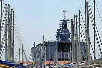 Toulon.-Navire-de-Guerre.-V