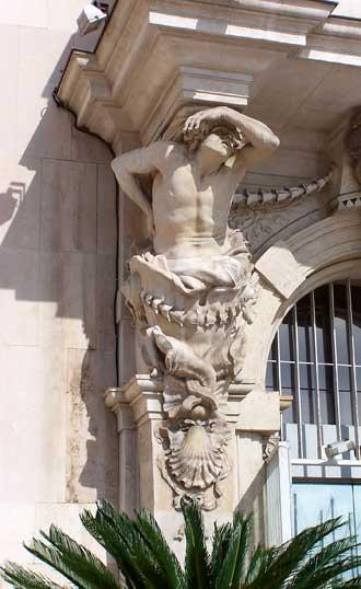 Toulon.-Statue-Puget-1.-Pat