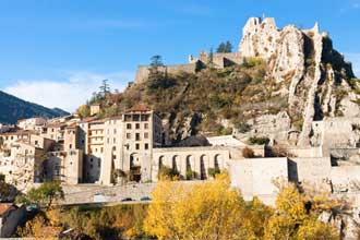 Sisteron-Fotolia_60135604