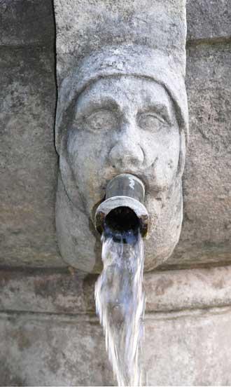 Valensole.-Fontaine-2.-P.-V