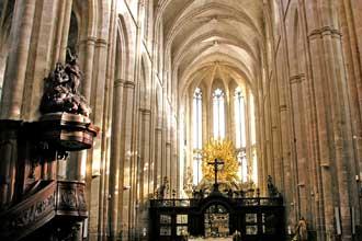 Architecture gothique et n o gothique en provence provence 7 for Architecture neo gothique