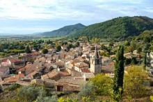 Peyruis-village-Fotolia_511