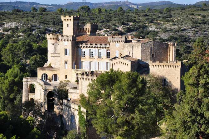 Chateau-La-Barben-Fotolia_3