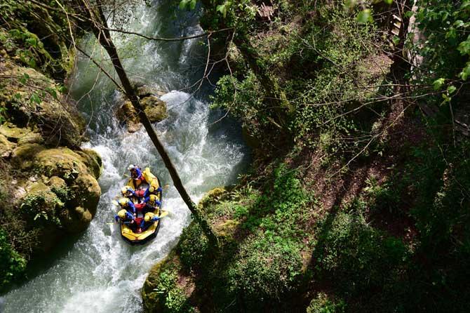 Rafting-Fotolia_81123639