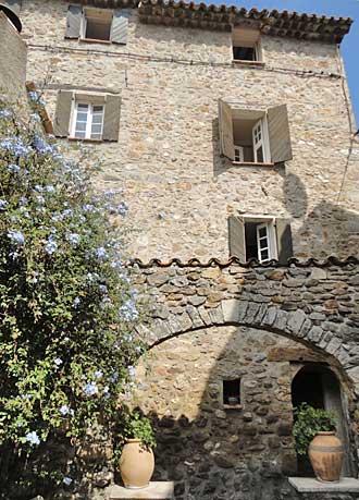 auribeau-village-1-pv