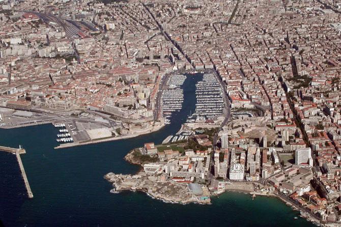 Marseille.-Vieux-Port-vu-du
