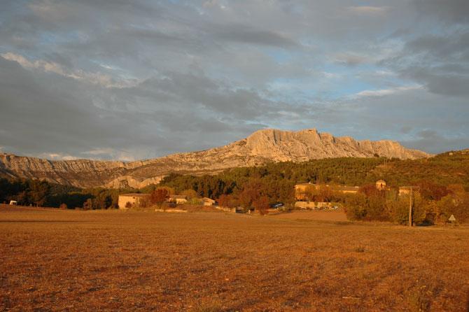 Montagne_Sainte_Victoire_Fo