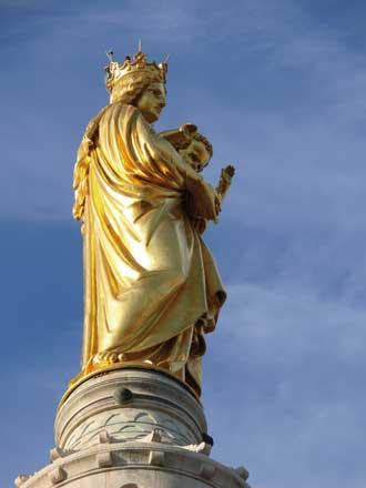 Statue-Notre-Dame