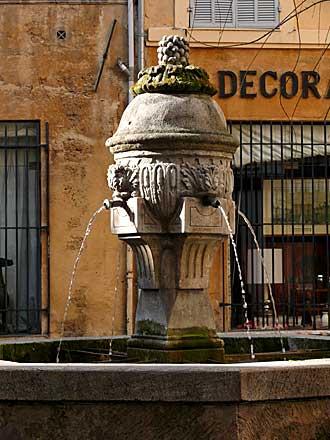 Aix.-Fontaine-2.-Verlinden