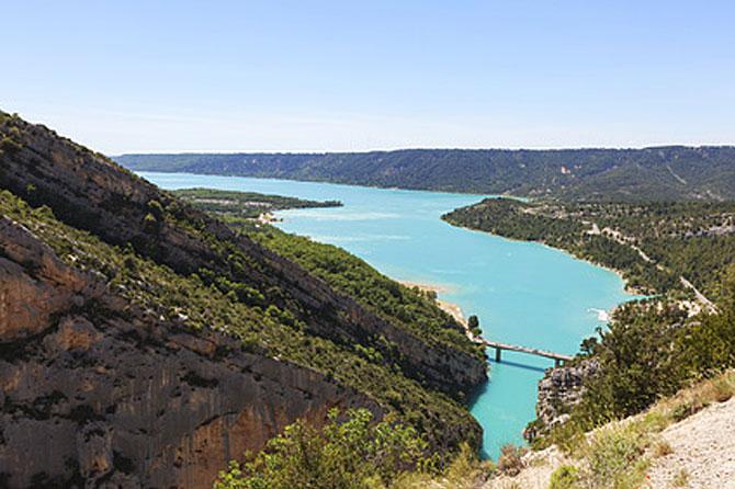 Lac_Ste_Croix_Fotolia_56515