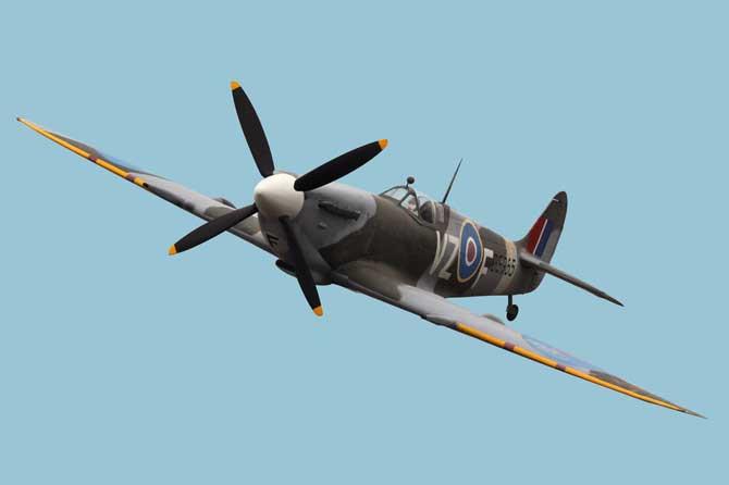 Spitfire---Fotolia