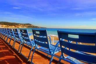Chaises-bleues-de-Nice-Foto