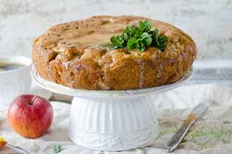 Gâteau-aux-pommes-et-à-la-c