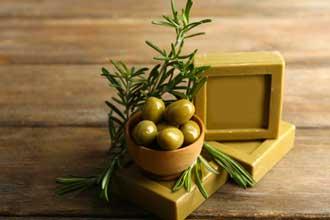 Savon-huile-d'olive-Fotolia
