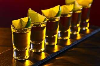 Tequila-avec-lime-Fotolia_1