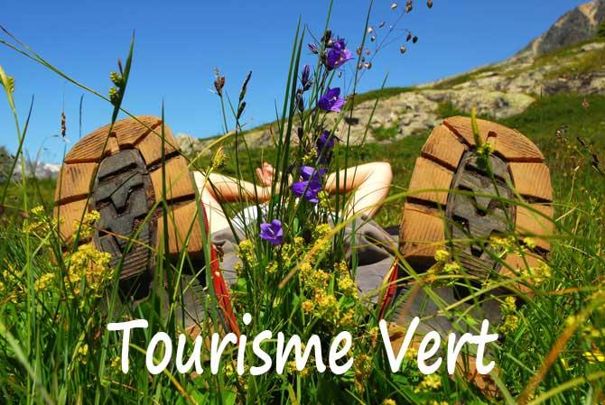 Tourisme-vert-en-Provence.-