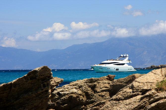 Yacht_Fotolia_14791752