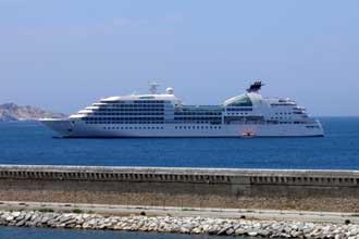Navire-croisière-2.-Verlind