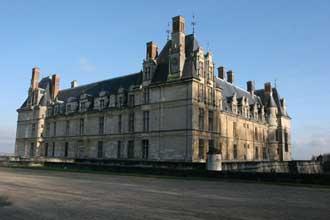 Château-d'Ecouen-Fotolia_19