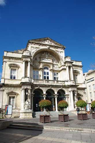 Avignon-Theatre-Fotolia_521
