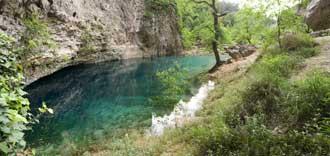 Fontaine-de-Vaucluse-Fotoli