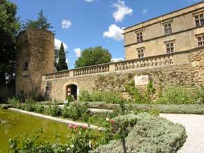 Lourmarin-chateau-Verlinden