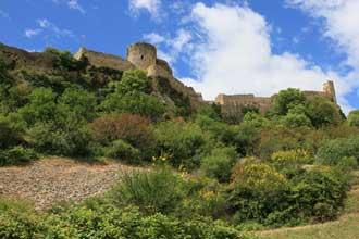 Mornas-Chateau-Fotolia_6464