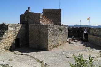 Mornas-chateau