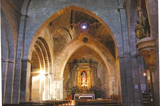 Venasque-Interieur-eglise-V