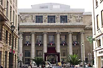 Marseille-Opera-pavoisé-Ver