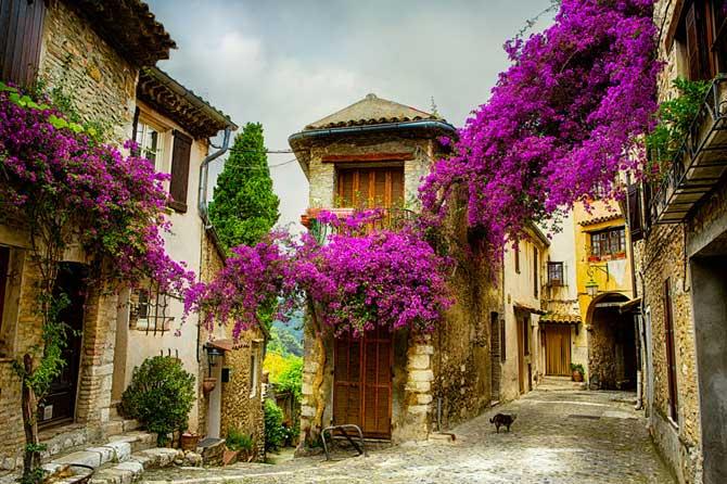 Village-Provence-Fotolia_54