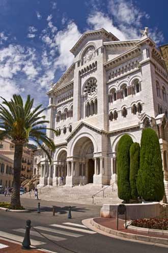 Cathédrale-Monaco-Fotolia_4