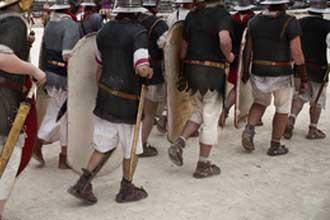 Soldats-romains-en-marche-F