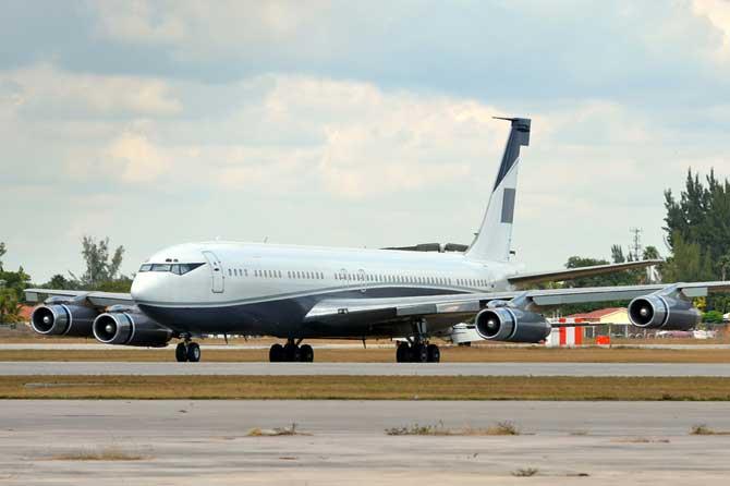 Boeing-707-Fotolia_38363147