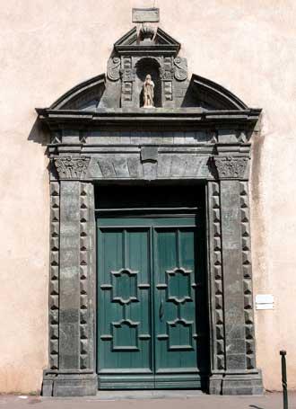 Saint-Tropez.-Porte-Eglise.