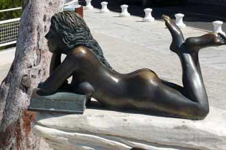 St-Cyr.-Statue.-Verlinden