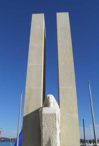 Cavalaire-Monument-Patrick-
