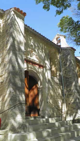 Aurons-porte-eglise.-P.Verl